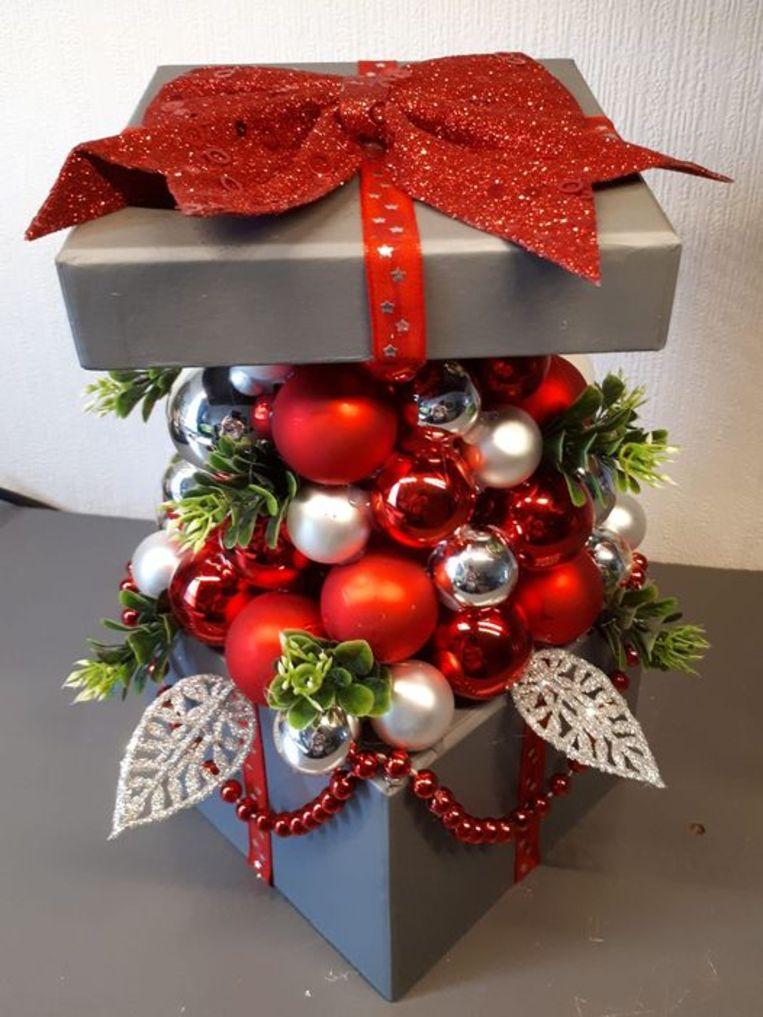 Een kerstdoos op Facebook. Beeld