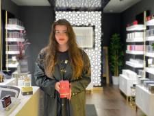 """Nieuwe parfumwinkel in Koestraat: """"Een tachtigtal geuren voor vrouwen en een vijftigtal voor mannen"""""""