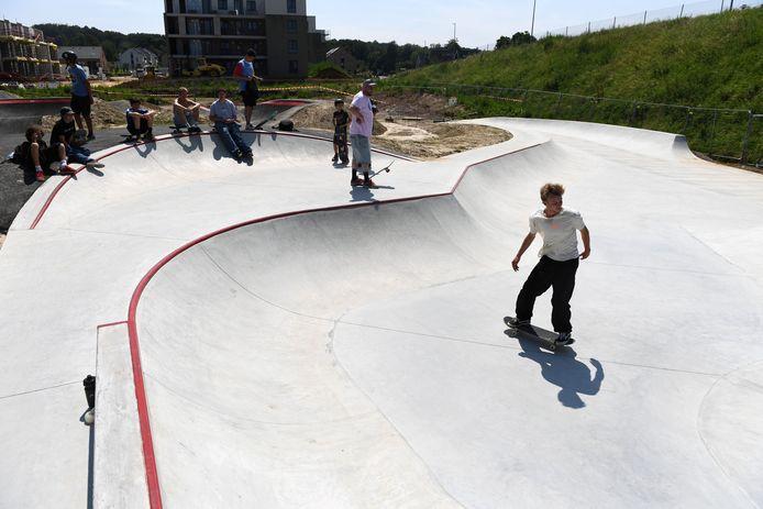 Skatepark en pumptrack Bart Swings in Herent is open.