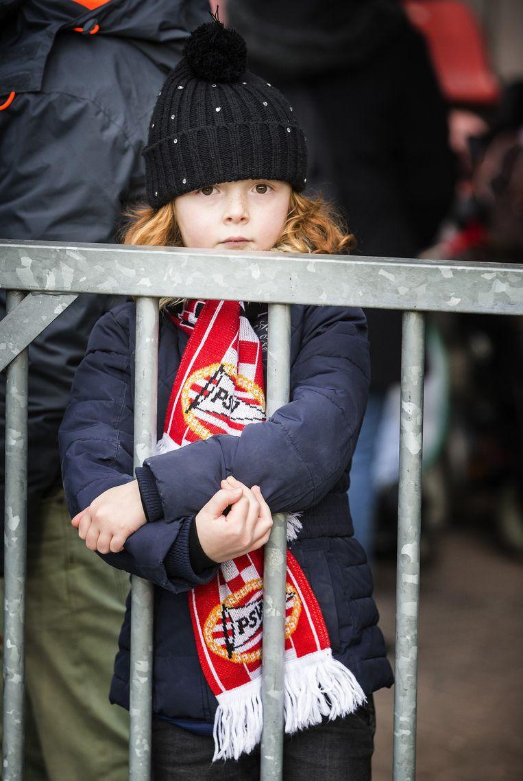 Een jonge PSV-fan. Beeld Jiri Buller
