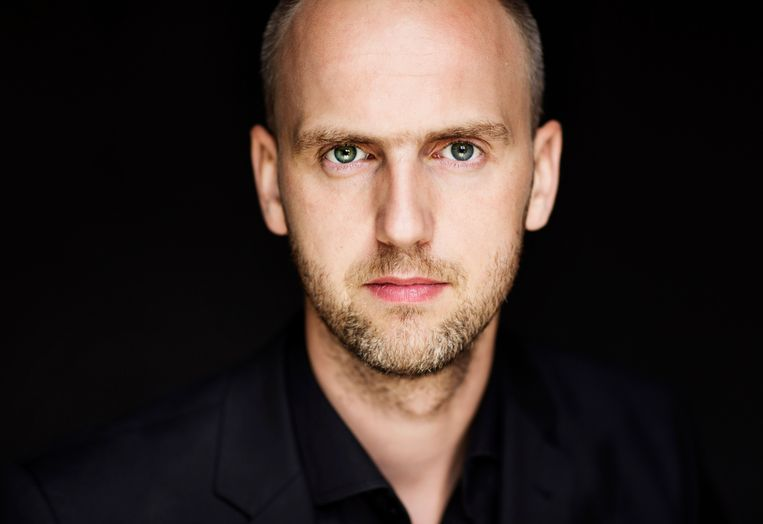 Dirigent Peter Dijkstra. Beeld Astrid Ackermann