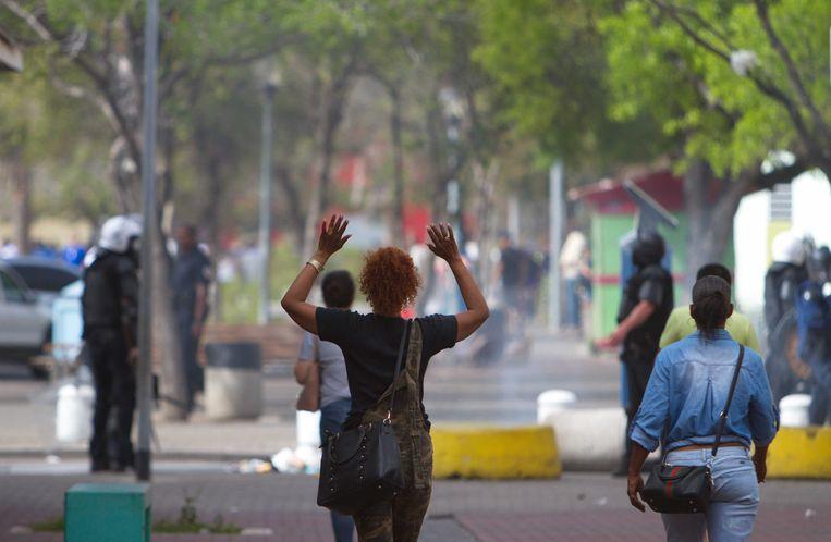 Deelnemers aan het protest tegen de regering in Willemstad. Vorige week was het erg onrustig in de stad.  Beeld ANP