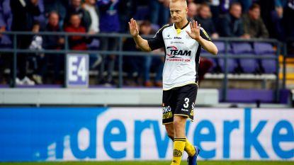 VIDEO. Anderlecht kwakkelt voort: uitgerekend Olivier Deschacht snoept paars-wit met rake kopbal punten af