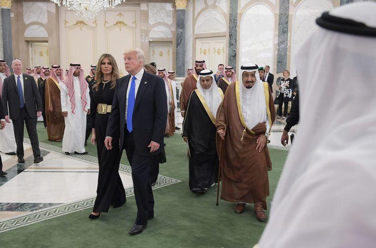 Donald en Melania Trump tijdens hun staatsbezoek aan Saudi-Arabië in mei 2017. Beeld AFP