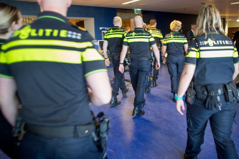 Agenten in opleiding op de Politieacademie in Apeldoorn.  Beeld Herman Engbers / HH