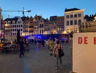 Brandweer rukt met grote middelen uit naar Antwerpse kathedraal na (loos) brandalarm