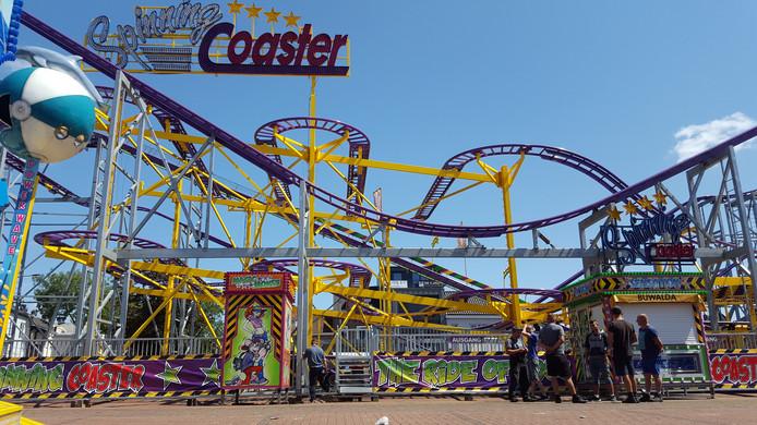 Het wachten bij de Spinning Coaster op het Besterdplein.