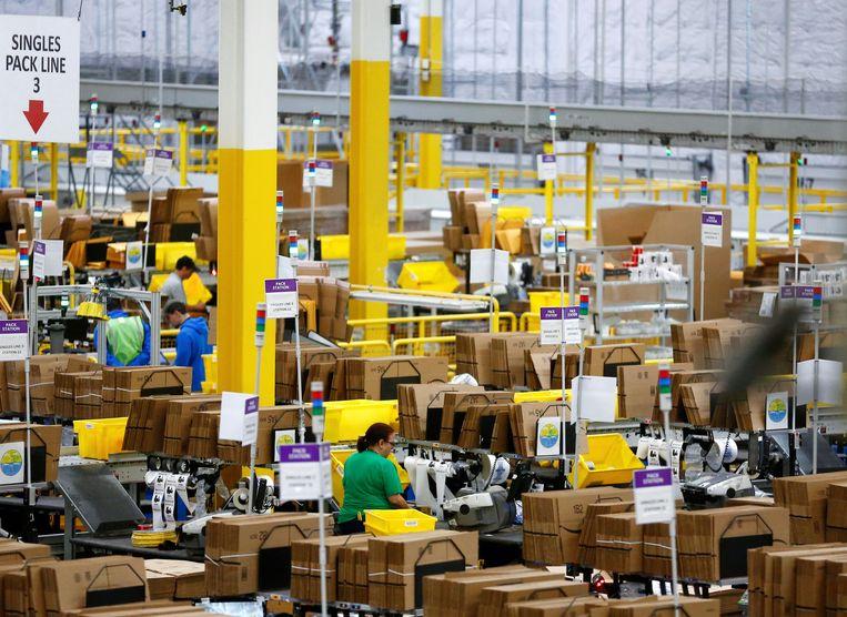 Een distributiecentrum van Amazon in Kent, niet ver van Seattle, in de Amerikaanse staat Washington.  Beeld REUTERS