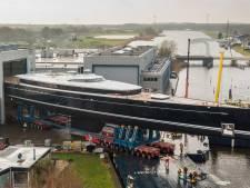 Tegenwind voor grootste zeilboot ter wereld in Vollenhove: het waait te hard voor transport
