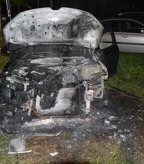 Snoeiheet motorblok laat auto smelten op Groesbeekse camping