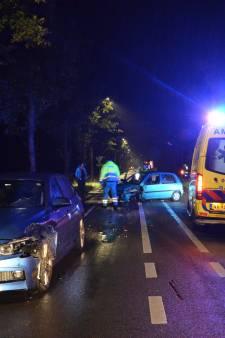 Hoogzwangere bestuurster botst met auto op ander voertuig in Vorden