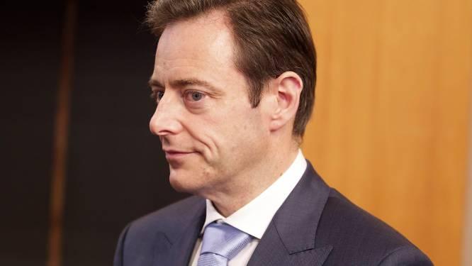 Gentse rappers geven Bart De Wever lik op stuk