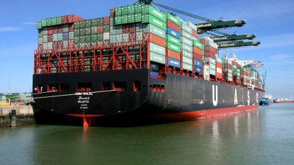 23 Vietnamezen bevrijd uit container op schip in Zeebrugge: twee er slecht aan toe