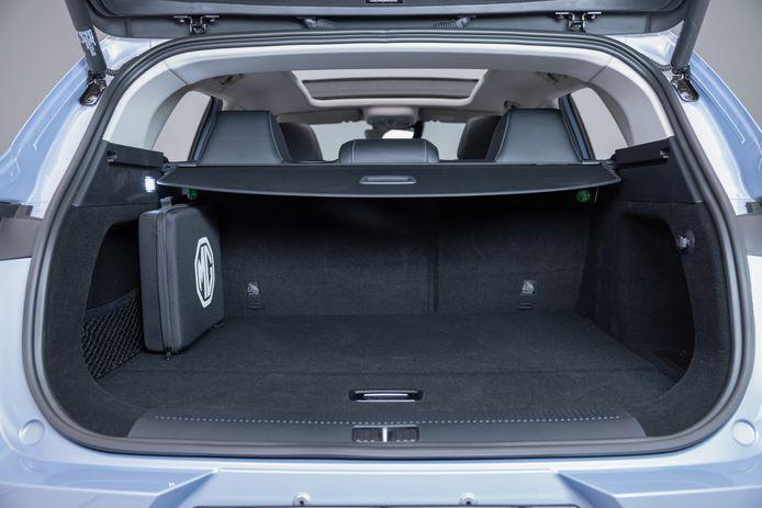 De achterbak is niet extreem groot; de nieuwe Skoda Fabia slikt meer liters met de achterbank in gebruik