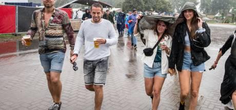 Tweede festivaldag Lowlands valt ondanks de regen niet in het water