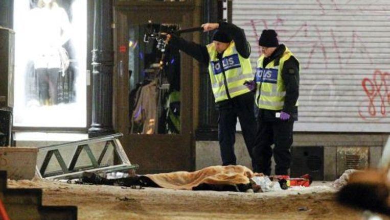 Zweedse politie onderzoekt sporen van de aanslag. © epa Beeld