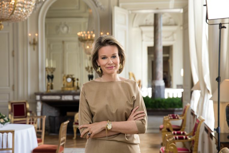 koningin mathilde bindt in uitzonderlijke videoboodschap strijd aan