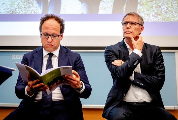 Minister Koolmees van Sociale Zaken en Werkgelegenheid en Han Busker, voorzitter van de FNV vorig jaar bij de presentatie van de vernieuwing van het pensioenstelsel.