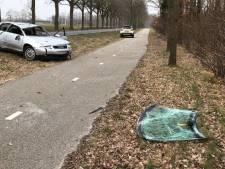 Auto slaat twee keer over kop in Tubbergen