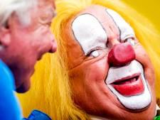 Clown Bassie in revalidatiecentrum nadat hij bijna stikte