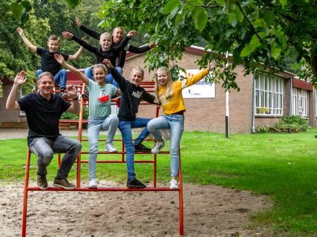 Deze zeven kinderen in Den Nul hebben een schoolgebouw voor zichzelf. Nog wel
