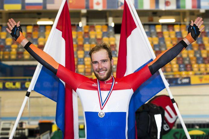 Jan-Willem van Schip weet hoe het voelt om het rood-wit-blauw te dragen, maar dan wel op de baan.