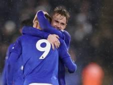 Vardy vertolkt hoofdrol bij zege van Leicester op Arsenal