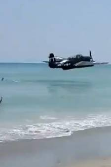 Impressionnant amerrissage d'urgence d'un avion près d'une plage de Floride