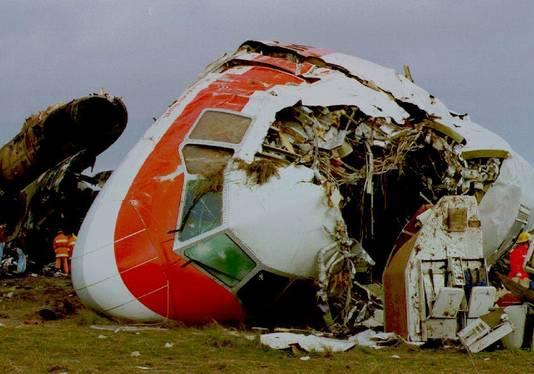 De cockpit van het toestel werd bij de crash opengescheurd