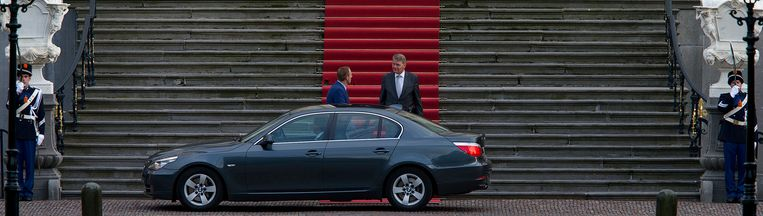 Piet-Hein Donner, vicepresident van de Raad van State, nadat hij de koningin op de hoogte heeft gebracht van de situatie rond de kabinetsformatie van 2012. Beeld ANP