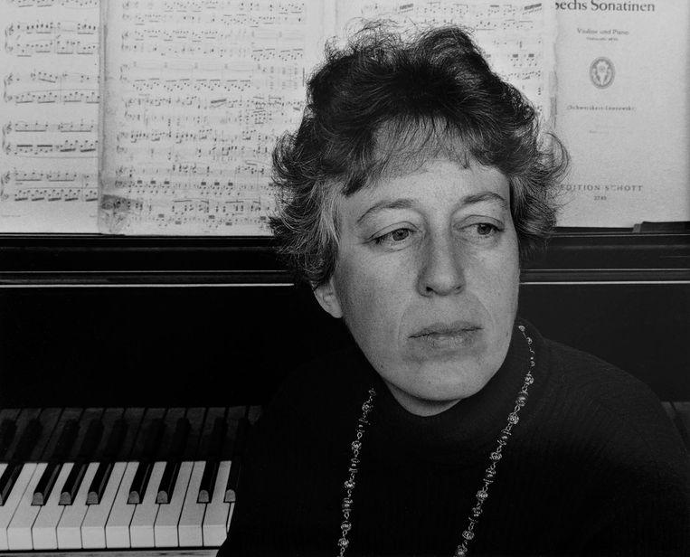 Hanneke Bakker bij de piano in 1976. Beeld
