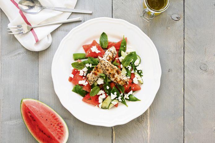 Watermeloensalade met munt, feta en peultjes