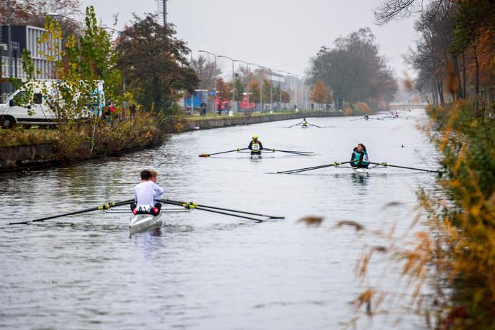 Het Eindhovens Kanaal was zondagmiddag het domein van de deelnemers aan de jaarlijkse Beatrix Winterrace.