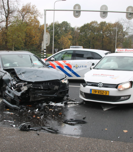 Aanrijding met lesauto in Harderwijk