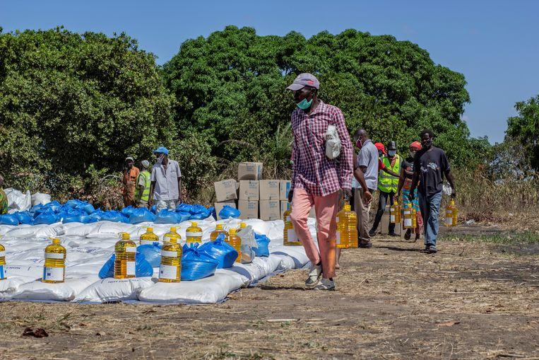 Voedselhulp in de noordelijke provincie Cabo Delgado van Mozambique door het World Food Programme.  Beeld Reuters