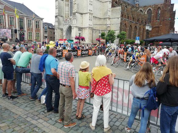 Langs het parcours in Diest stonden de toeschouwers vorig jaar drie rijen dik. Dit jaar was de belangstelling minder.