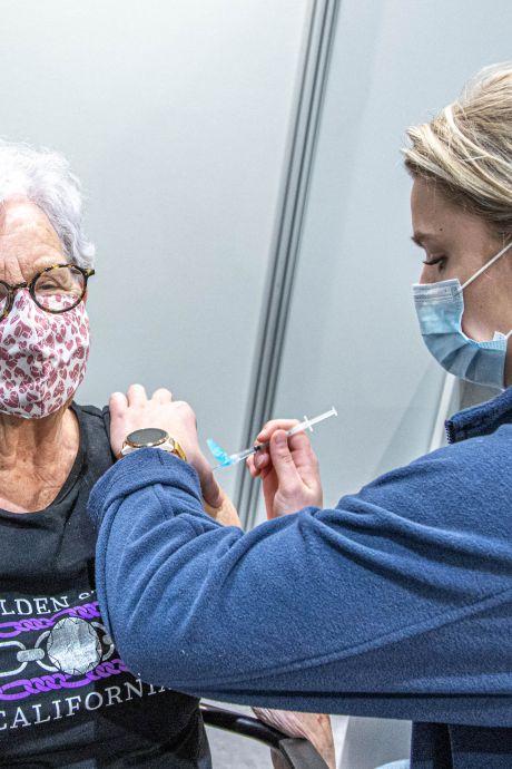 'Twijfelen aan het coronavaccin kost meer levens'