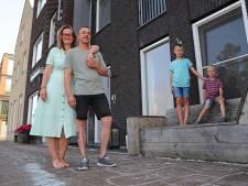 Je veilige eengezinswoning inruilen voor tiny house? Rein en Kimm willen met gezin 'terug naar de natuur'