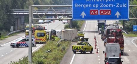 Linkerrijstrook nog dicht op A4 bij Bergen op Zoom, herstel duurt tot middernacht