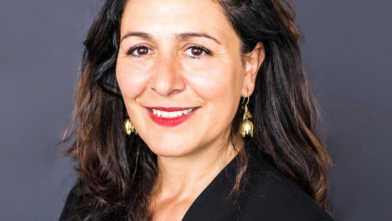 Wethouder Touria Meliani voert het besluit over betaald transitieverlof voor ambtenaren uit. Beeld Eva Plevier