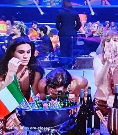 Soupçonné d'avoir sniffé de la cocaïne en plein direct, le chanteur du groupe vainqueur de l'Eurovision va se soumettre à un dépistage de drogue
