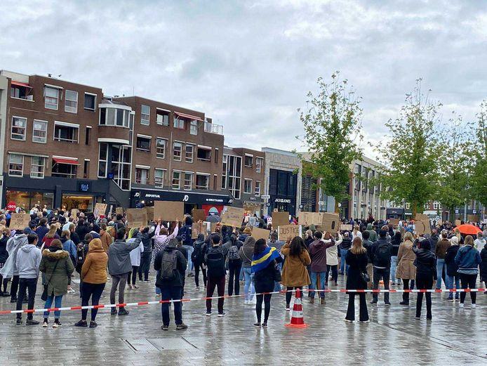 Het van Heekplein in Enschede is vol.