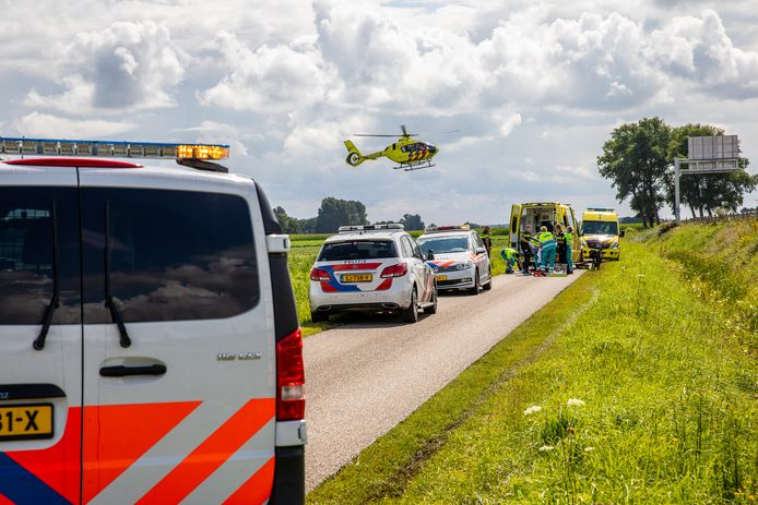 Fietser ernstig gewond geraakt nadat hij van zijn fiets viel.