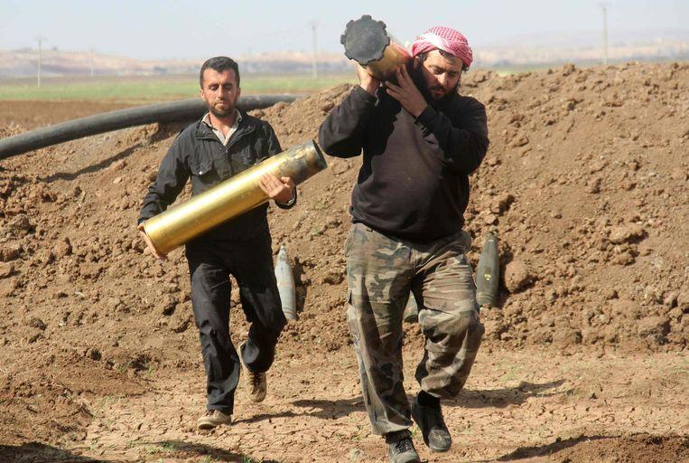 Rebellen van Jaish al-Fatah ten zuiden van Aleppo.