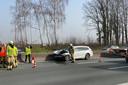 De personenwagen kwam na het ongeval op de E40 tussen Wetteren en Erpe-Mere tegen de rijrichting in tot stilstand.