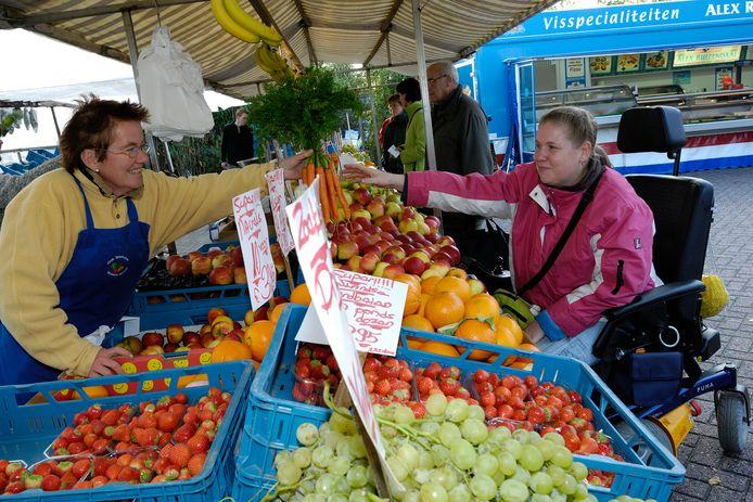 De groentekraam op de markt van Emiclaer in 2007.