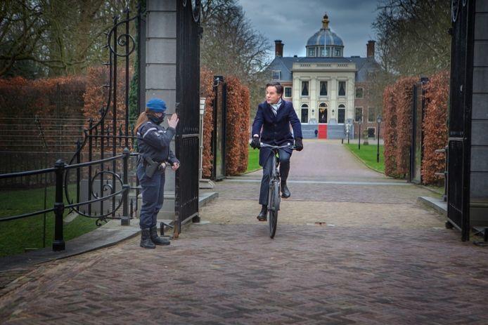 Na afloop vertrok hij weer op de fiets.