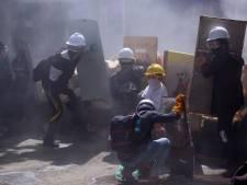 Myanmar rouwt na bloedbad, maar volhardt in verzet