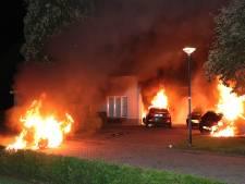 Vier auto's bij Waalwijkse villa waarschijnlijk in brand gestoken, politie doet onderzoek