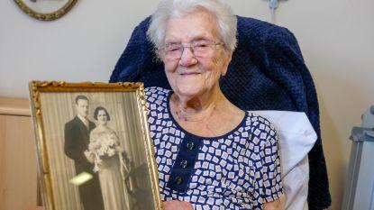 """Elisabeth (110) is nieuwe oudste Belg: """"Mijn geheim: dans door het leven"""""""